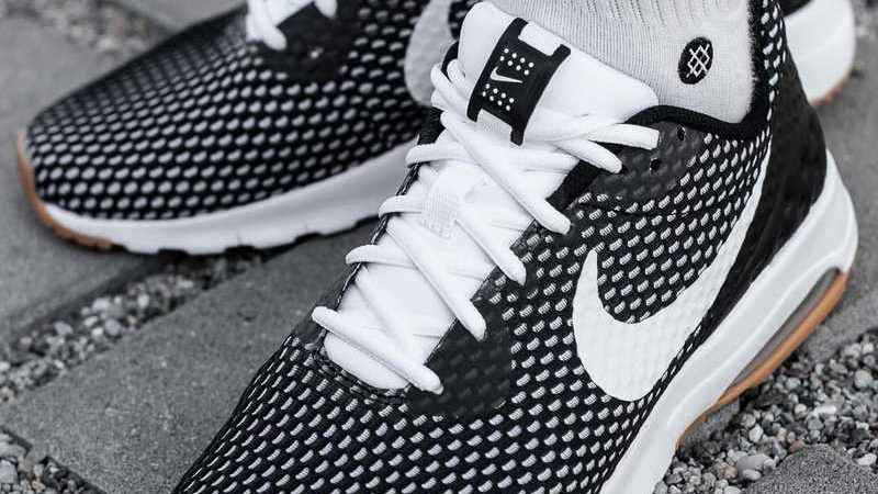 Nike Air Max Motion Lw Se `Black _ White`